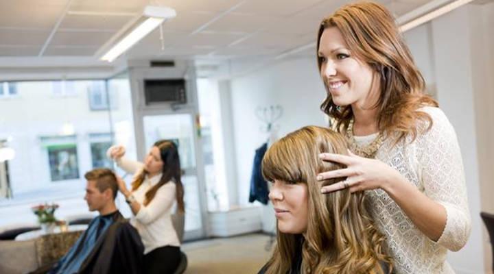 Como atrair clientes para um cabeleireiro: 8 dicas para ter sucesso em seu negócio